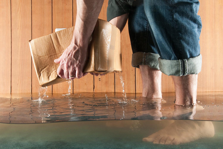 если мы затопили соседей снизу что делать
